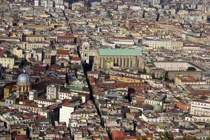 spaccanapoli centro storico napoli